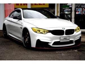 BMW M4 M4クーペ  6MT アクラボ/アラゴスタ/カーボンブレーキ M4クーペ  左6速MT Mカーボンセラミックブレーキ アクラポビッチマフラー アクラポビッチカーボンディフェーザー MPerformanceエアロ メリノレザー 禁煙車 屋根下保管