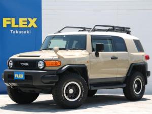 トヨタ FJクルーザー カラーパッケージ カラーパッケージ 純正ベージュ 各所マットブラックペイント塗装 BFG285タイヤ TRDマットブラック16AW ルーフラック 2インチUP Bluetooth搭載ストラーダナビ ETC