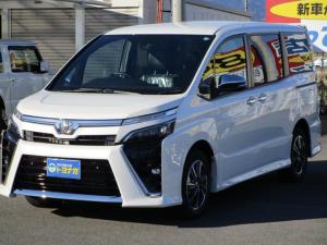 トヨタ ヴォクシー ZS 煌III 両側パワースライドドア LEDヘッドライト LEDフォグライト オートエアコン スマートキー プリクラッシュセーフティ クルーズコントロール 純正アルミ