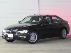BMW 3シリーズ 330e Luxury 認定中古車 純正ナビ Bカメ ETC