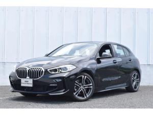 BMW 1シリーズ 118i Mスポーツ コンフォートパッケージ パーキングサポ Mスポーツパッケージ 運転席電動シート ナビパッケージ 電装テールゲート イルミネーションパネル ACC SOSコール インテリジェントセーフティ リバースアシスト ETC LEDライト