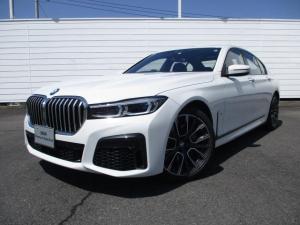 BMW 7シリーズ 740i Mスポーツ 試乗車 禁煙車 純正ナビ 地デジ バック・トップビューカメラ PDC ブラックレザーシート シートヒーター ベンチレーションシート 電動ガラスサンルーフ アクティブクルーズコントロール 純正20インチ