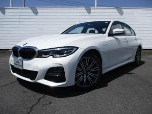 BMW 3シリーズ 330e Mスポーツ 禁煙車 純正ナビ バックカメラ PDC ブラックレザーシート シートヒーター アクティブクルーズコントロール インテリジェントセーフティ Bluetooth 純正18インチアロイホイール LEDライト