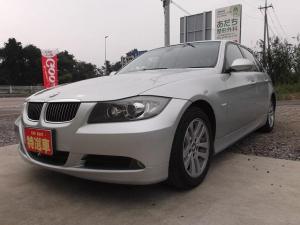 BMW 3シリーズ 320i パワーシート HID CD 盗難防止システム