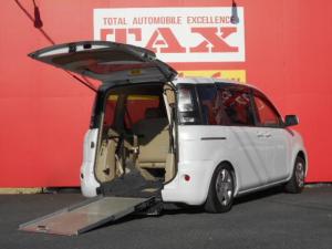 トヨタ シエンタ X スロープタイプ電動固定装置
