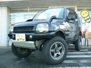 スズキ ジムニー ランドベンチャー 4WDターボ 3インチリフトアップ 前後ショートバンパー ハーフレザーシート シートヒーター 社外アルミ キーレス CD エアバッグ ABS タイミングチェーン