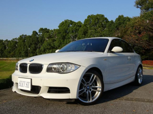 BMW BMW 135iクーペ 赤革シート 直列6ターボ