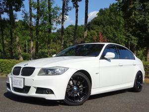 BMW 3シリーズ 320i Mスポーツパッケージ 6速MT ローダウン 美響マフラー アドバンAW フルセグTV トランクスポイラー アルカンターラ純正スポーツシート ミラー一体ETC リヤーガラスフイルム施工済み カーボンディフェーザー