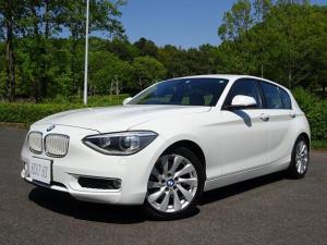 BMW 1シリーズ 120i スタイル ホワイトインテリア 純正Iドライブナビ 純正アルミホイル ミラー一体ETC 170Psターボエンジン ホワイトキドニーグリル