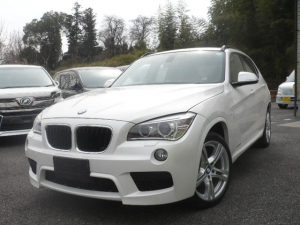 BMW X1 xDrive 20i Mスポーツ コンフォートアクセス キセノン オートライト ミラー型ETC 純正アルミ 4WD アイドリングストップ スマートキー プッシュスタート