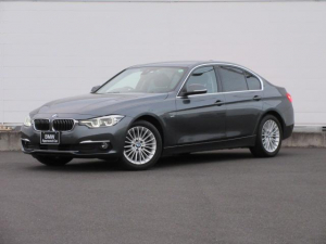 BMW 3シリーズ 320iラグジュアリー 正規認定中古車 ワンオーナー LEDヘッドライト コンフォートアクセス 純正17インチ 純正HDDナビ レザーシート シートヒーター リアPDC バックカメラ ACC レーンチェンジウォーニング