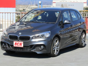 BMW 2シリーズ 225i xDriveアクティブツアラー Mスポーツ 4WD 純正HDDナビ バックモニター アイドリングストップ キーフリー プッシュスタート パワーバックドア レーダーブレーキサポート