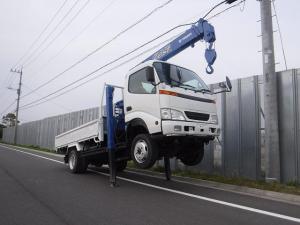 日野 デュトロ  積載2t 高床 標準ロング 4WD 4段ラジコンクレーン付き ハイジャッキ