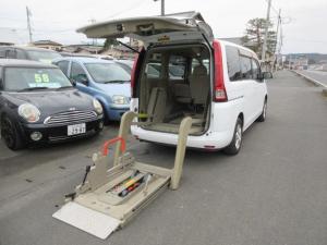 日産 セレナ  88ナンバ-福祉車両4WD電動リフト付き電動固定装置オートステップワンオーナー車