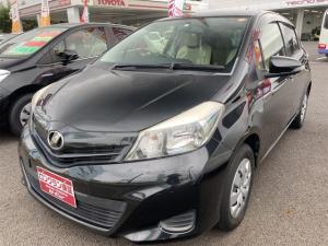 トヨタ ヴィッツ F ETC ナビ オートライト Bluetooth ミュージックプレイヤー接続可 CD スマートキー 電動格納ミラー CVT 衝突安全ボディ ABS ESC エアコン パワーステアリング パワーウィンドウ