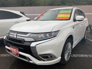 三菱 アウトランダーPHEV Gプラスパッケージ 4WD クルコン ETC シートヒーター 電動リアゲート アラウンドモニター