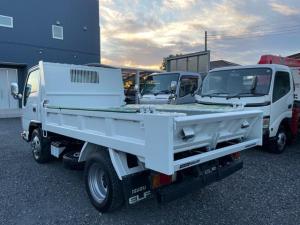 いすゞ エルフトラック ダンプ :  いすゞ 2t  強化ダンプ  Lゲート 電動コボレーン   6速マニュアル     ディーゼルターボ  全低床    左電動格ミラー  4ナンバー