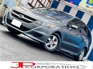 ホンダ ストリーム ZS ピカピカなボディーが魅力のお車です。低燃費のステーションワゴンです。