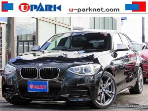 BMW 1シリーズ M135i NewiDriveナビ・Bカメラ・BTオーディオ・ETC・パドルシフト・HIDライト・スマキー・AUX・USB・Pシート・本革ステア・18AW・アイドリングストップ・ミラーウィンカー・記録簿