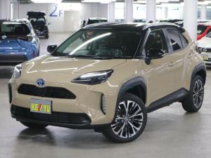 トヨタ ヤリスクロス ハイブリッドZ パノラミックビューモニター ハンズフリーパワーバックドア BSM・RCTA シートヒーター ディスプレイオーディオ Bluetooth ルーフレール LEDライト セーフティセンス 登録済未使用車