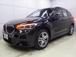 BMW X1 xDrive 18d Mスポーツエディションジョイ+ コンフォートパッケージ・セーフティパッケージ・電動リアゲート・アクティブクルーズコントロール・コンフォートアクセス・HDDナビ・Bluetoothオーディオ・バックカメラ・ハンズフリー・ETC
