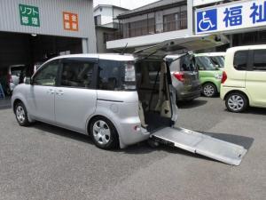 トヨタ シエンタ  福祉車ウェルキャブスロープタイプ車イス電動固定6人乗り