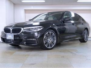 BMW 5シリーズ 540i Mスポーツ 白革 セレクトパッケージ 電動サンルーフ ハーマンカードン 4ゾーンエアコン 19AW