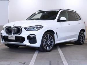 BMW X5 xDrive 35d Mスポーツ 黒革 プラスパッケージ パノラマサンルーフ 4ゾーンエアコン 保冷・保温カップホルダー ソフトクローズドア ワイヤレスチャージング ヘッドアップディスプレイ ジェスチャーコントロール 20AW