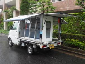 三菱 ミニキャブトラック 移動販売車 3方開 右側ショーケース シンク付き