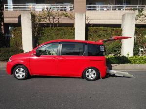 トヨタ シエンタ G 福祉車両 6人乗り リヤースロープ 車椅子電動固定装置付き 左オートスライドドアー スマートキー