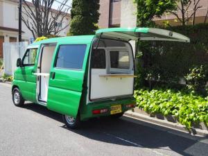 三菱 ミニキャブバン  移動販売車 キッチンカー ケータリング車 シンク2個付き 水ポンプ2個付き カウンター2セット CLベース