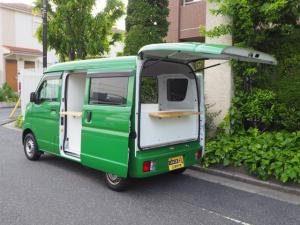 スズキ エブリイ  移動販売車 キッチンカー ケータリング車 シンク2個付き 水ポンプ2個付き カウンター2セット付