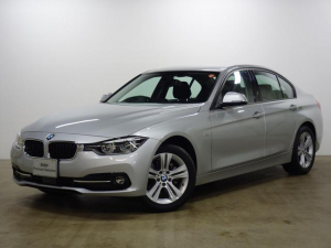 BMW BMW 320d スポーツ ストレージP 17AW LED ACC