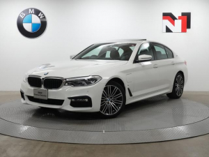 BMW 5シリーズ 530e Mスポーツ