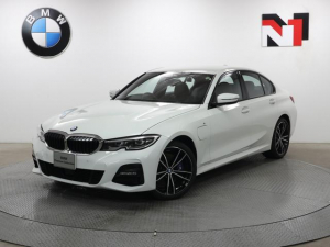 BMW 3シリーズ 330e Mスポーツ 19インチAW アクティブクルーズコントロール パドルシフト パーキングアシスト LED 衝突軽減 車線逸脱 USB