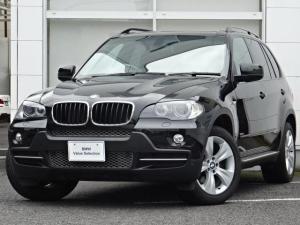 BMW X5 3.0si 3.0Si (7名) コンフォートP ガラサンルーフ ブラックレザーシート フロントシートヒター HDDナビゲーション リヤカメラ PDC キセノンヘッドライト アルミサイドステップ サードローシート