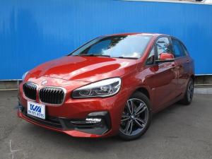 BMW 2シリーズ 218iアクティブツアラー スポーツ iDrive コンフォートP(オートテールゲート コンフォートアクセス アンビエントライト シートヒーター) パーキングサポートP(バックカメラ PDC〈F/R〉 パーキングアシスト)