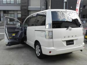 トヨタ ヴォクシー X福祉車両 助手席リフトUPシート ナビBカメラ 8人乗り