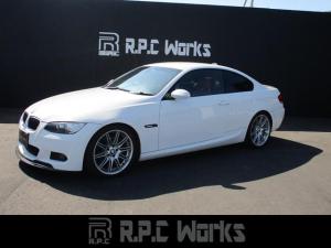 BMW 3シリーズ 320i Mスポーツパッケージ アーキュレイマフラー KW車高調 赤革シート シートヒーター パワーシート 純正Mスポーツ19インチAW カーボン調Fリップスポイラー カーボン調リアスポイラー LEDサイドマーカー