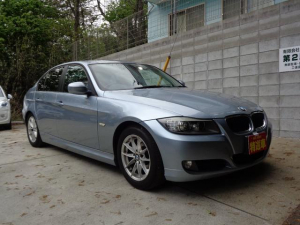 BMW 3シリーズ 320i 禁煙 純正ナビ Bモニター 記録簿