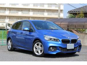BMW 2シリーズ 218iアクティブツアラー Mスポーツ Mスポーツ限定ボディ色 走行8300km 1オーナー 禁煙車 インテリジェントセーフティ パワートランク 地デジ バックカメラ コンフォートアクセス 毎年BMWディーラー整備