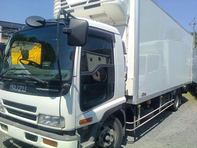 荷台内寸:674cm 219cm 221cm(高さ) 冷凍車 冷蔵冷凍車 ロング シャッター 格納式ゲート 低温