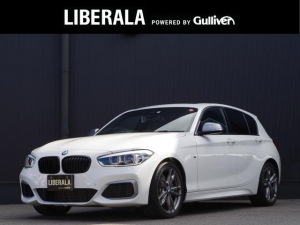 BMW 1シリーズ M135i ワンオーナー ガラスサンルーフ LEDヘッドライト 純正iDriveナビ地デジ リアビューカメラ PDC ブラックキドニー