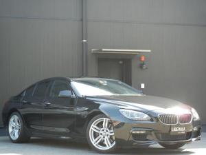 BMW 6シリーズ 640iグランクーペ MスポーツPKG SR 黒革/ヒーター/Pシート コンフォートA クルコン オートライト/LED ETC 純19インチAW ナビ/DVD/CD/USB/AUX/BT/TV Bカメラ コーナーセンサー