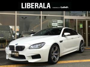 BMW M6 グランクーペ カーボンルーフ/トランクスポイラー ディーラー記録簿H29 R1 純正ナビ CD/DVD/USB/BT フルセグTV バックカメラ ヘッドアップディスプレイ 茶革 保証書 取扱説明書 スペアキー