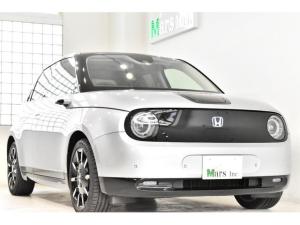 ホンダ Honda e アドバンス 1オーナー ワイドスクリーンホンダコネクト 内外ミラーカメラ シートH ステアリングH サンルーフ アドバンス専用装備 17インチAW パーキングP 取説 記録簿 スペア鍵 保証継承R5年11月迄