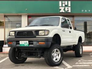 米国トヨタ タコマ ベースグレード ボディ2インチリフトアップ 足3インチリフトアップ