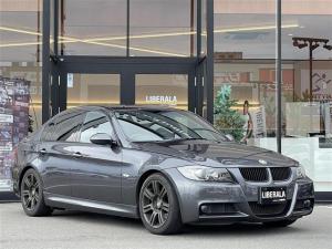 BMW 3シリーズ 320i Mスポーツパッケージ ・ローダウン・社外HDDナビ・フルセグTV・D/Nパワーシート・D席メモリー付きシート・オートライト・プッシュスタート・サンルーフ・電動格納ミラー