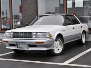 トヨタ クラウン ロイヤルサルーンG 4.0 V8 全席パワーシート エアサス  デジタルメーター シュティッヒディシュ17AW パールツートン オートクルーズコントロール 走行58600KM