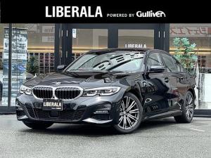 BMW 3シリーズ 320i Mスポーツ ・アクティブクルーズコントロール・純正HDDナビ/USB/BT・全方位カメラ・ハーフレザーシート/PWシート/シートヒーター・ブラインドスポットセンサー・置くだけ充電・LEDヘッドライト・純正18AW
